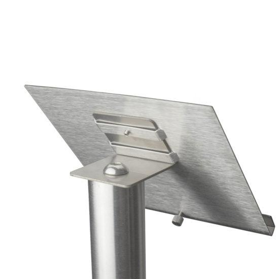 Display Stand Q EZI Uni Clip Angled Detail1