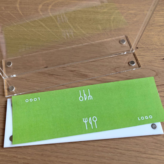 Tabletop Sign Holder TMag A6, White open